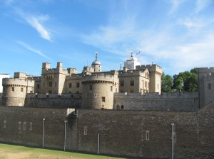 Bus Tours to Tower of London